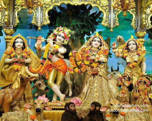 023 Sri Sri Radha-Gopinath  Lalita Vishakha 1280x1024