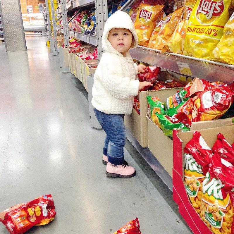 Если у ребёнка есть неконтролируемый доступ к пластилину - ждите беды!
