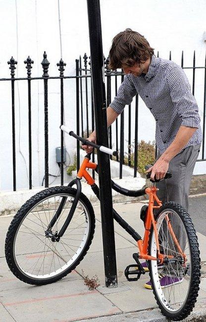 Bendy Bicycle – чем то похож на Yerka, так как сам себя защищает, но механизм немного отличается