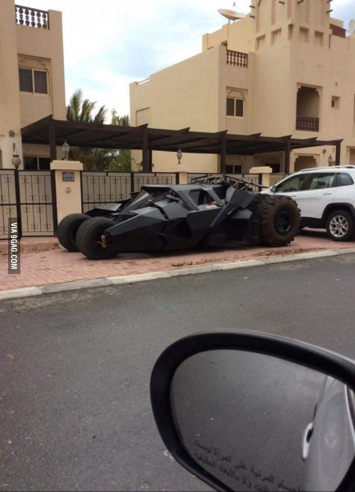 Вот такую, дамы и господа, лицензию нужно получать в Дубае, чтобы легально покупать и хранить дома а