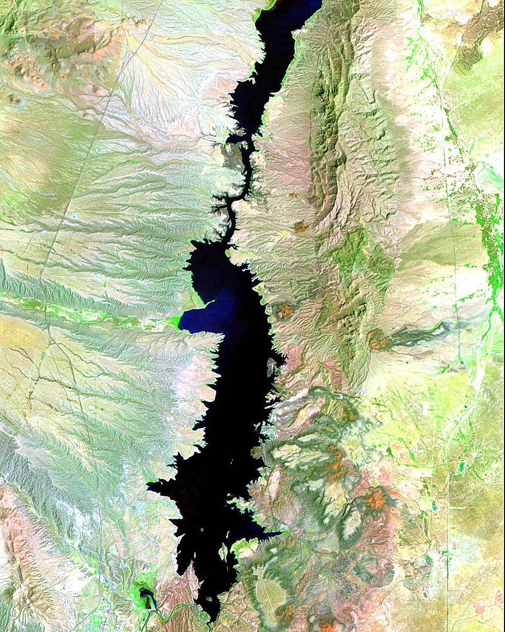 Водохранилище Слон Бьютт было уменьшено путем длительной засухи. Оно создано плотиной нареке Рио-Гр