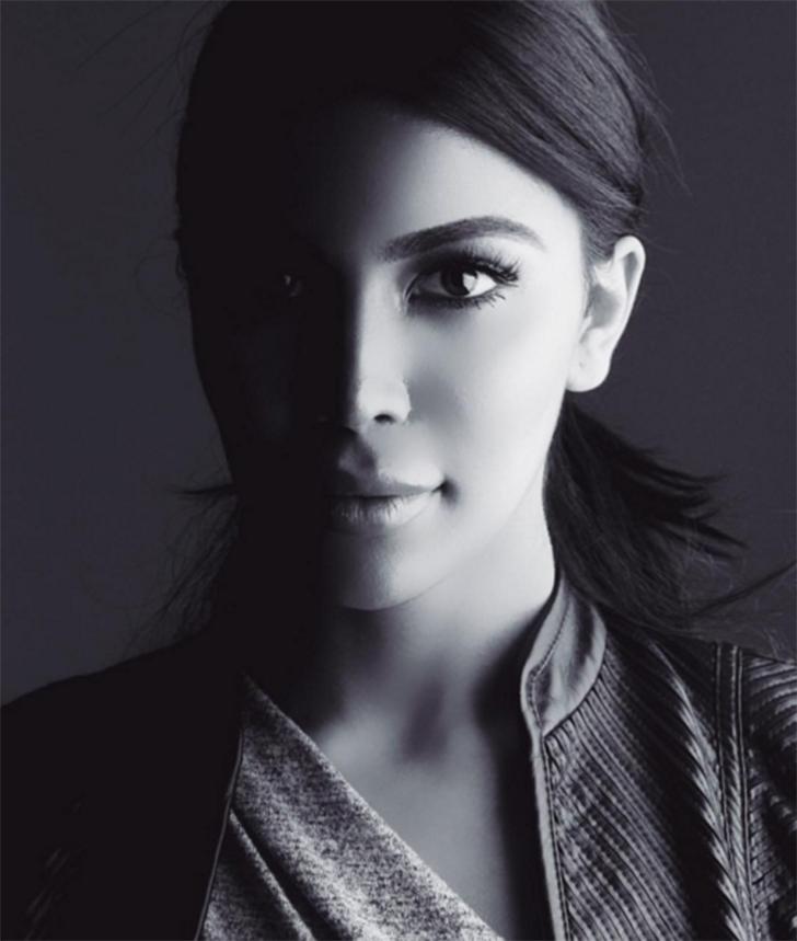 В декабре канадский фешен-блогер Камилла Осман прославилась благодаря заметному сходству с Ким Карда