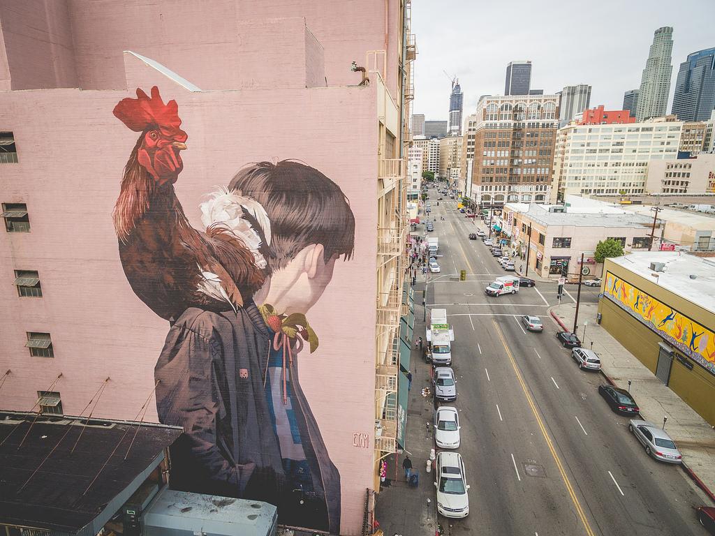 """""""Mr. Rooster""""(""""Г-н Петух"""") был создан при участии Thinkspace Gallery, в которой ранее прошла выставк"""