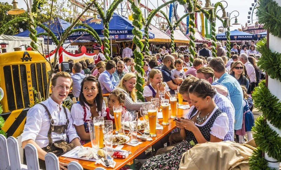 1. Великий американский фестиваль пива Этот фестиваль считается самым крупным среди фестивалей пива