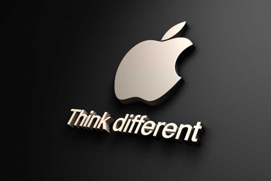 Swatch рекламирует часы слоганом «Tick Different». Apple ожидает Swatch всуде