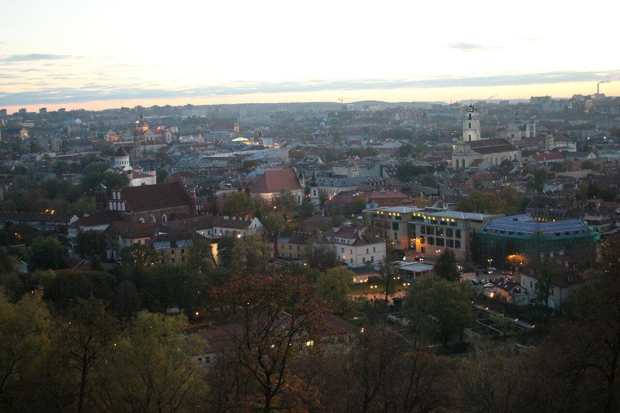 вид на Вильнюс с одного из холмов