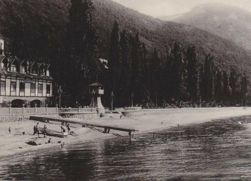 Гагры. С пристани 1935.jpg