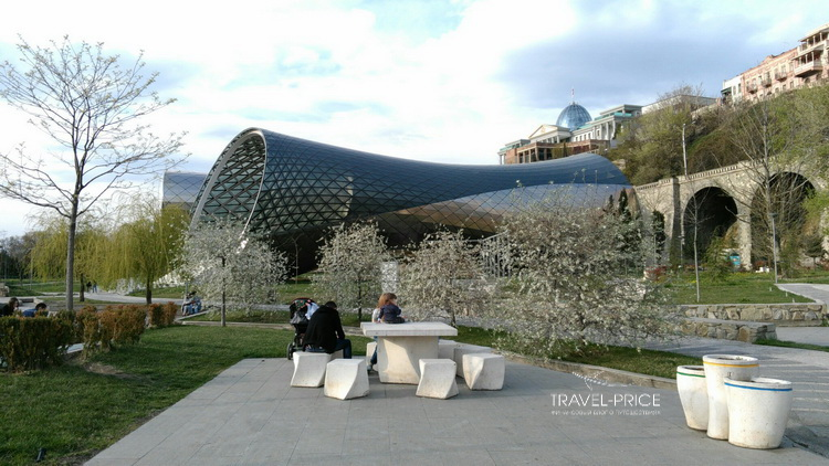 музыкальный театр в Тбилиси