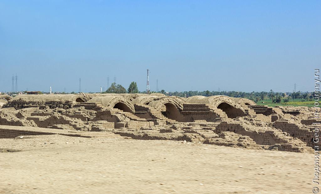 руины сооружений Древнего Египта
