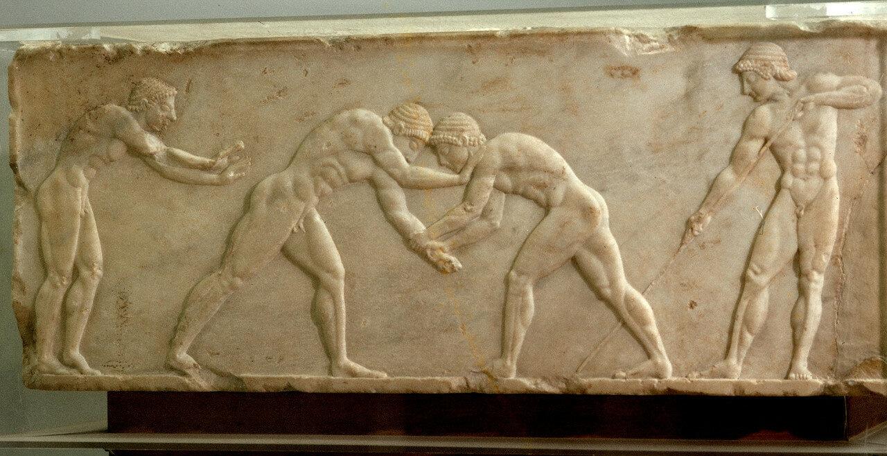 Афины. Национальный археологический музей. Ваза. 510 г. до н.э. Обучение прыжкам, борьба, метание копья