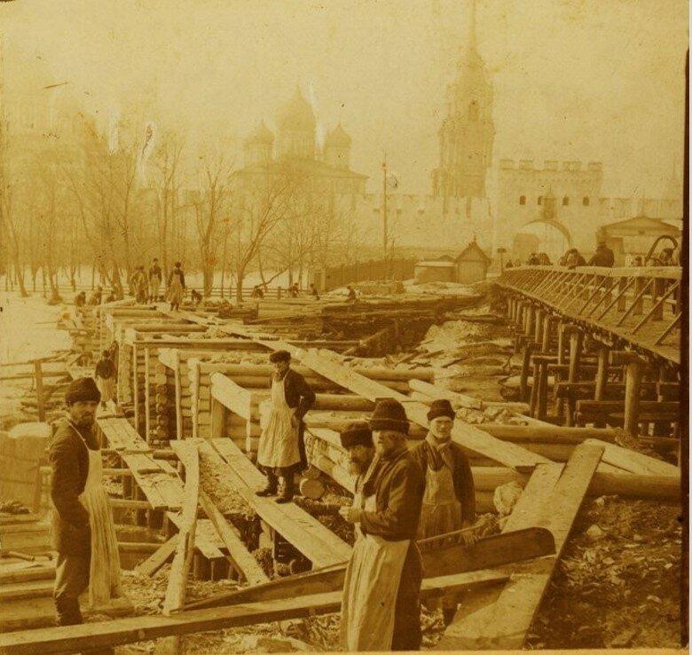 Строительство деревянного моста через Упу