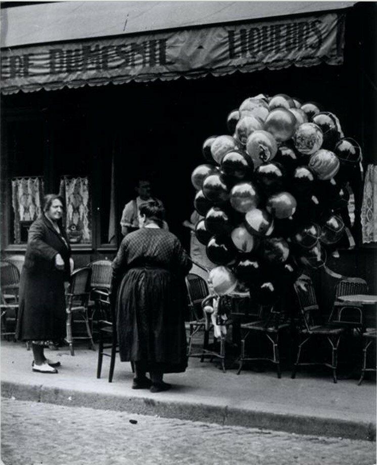 1931. Торговка воздушными шарами