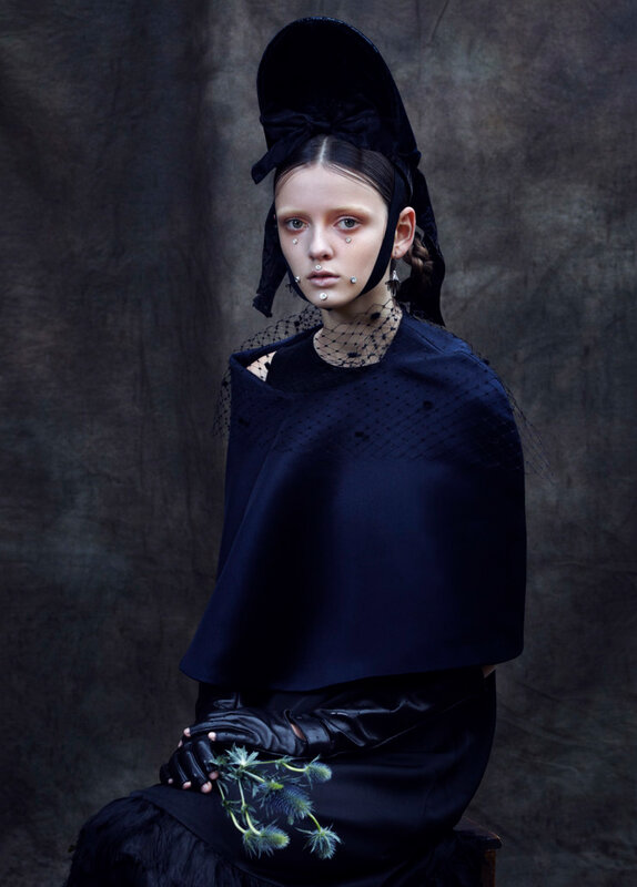 clara-mcnair-by-lea-nielsen-for-vogue-it-december-2015