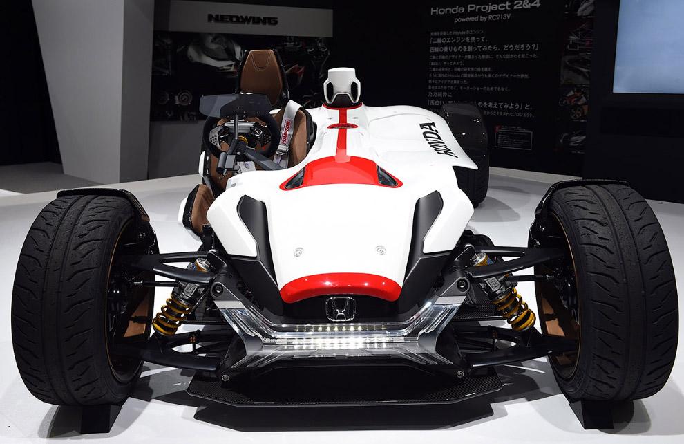 24. «Революционное трехколесное транспортное средство, которое ведет себя в поворотах так же как спо