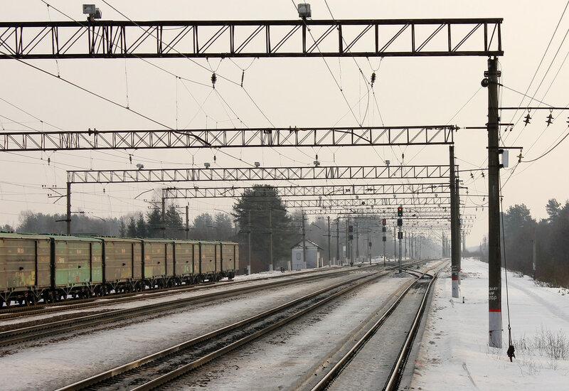 Станция Горы, вид на Мгу