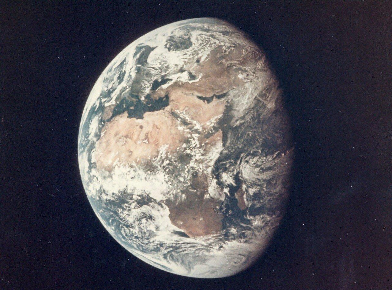 1969. Земля с расстояния 98000 миль