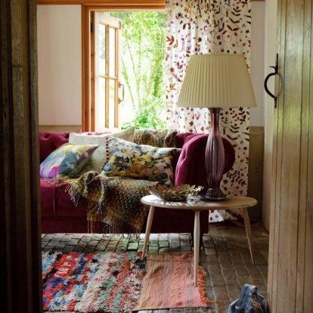 переделать интерьер старого дома в стиле кантри.