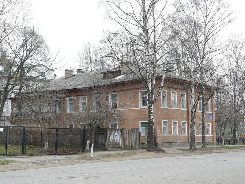 Советский,19