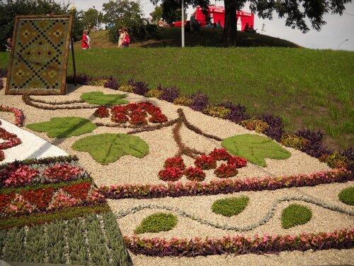 Свято квітів на співочому полі