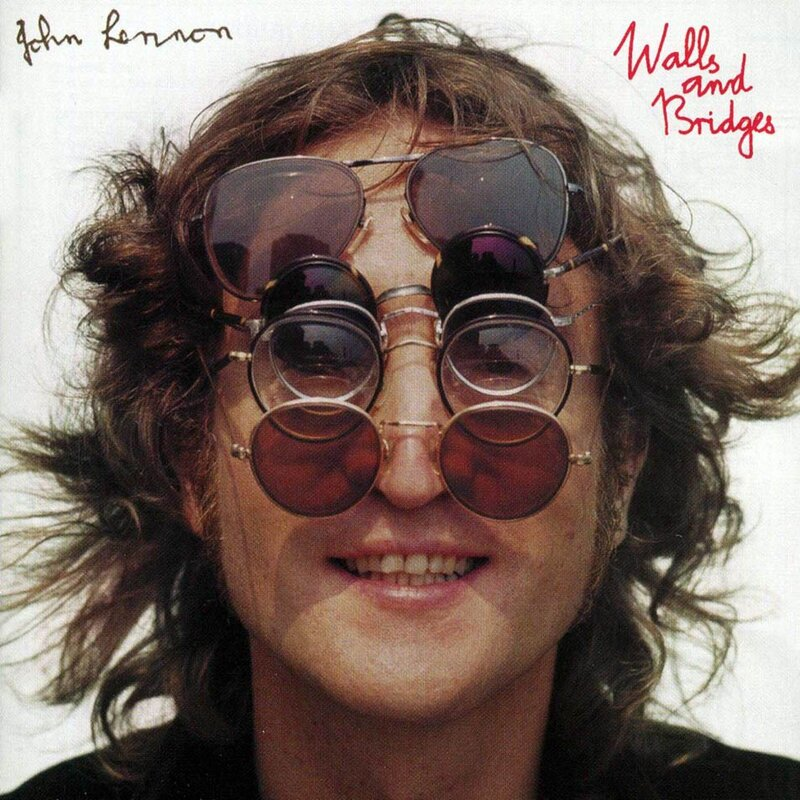 Джон Леннон и очки
