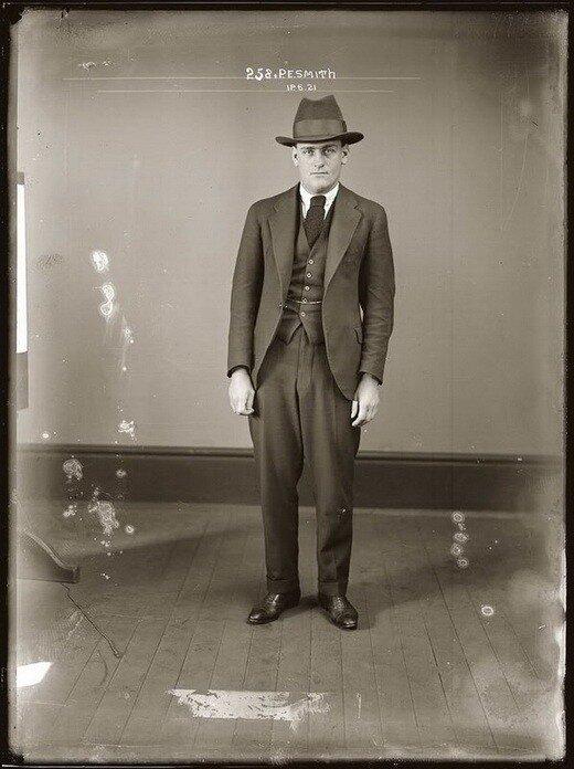 Фото преступников начала 20 века и террориста середины 19-го века (33...