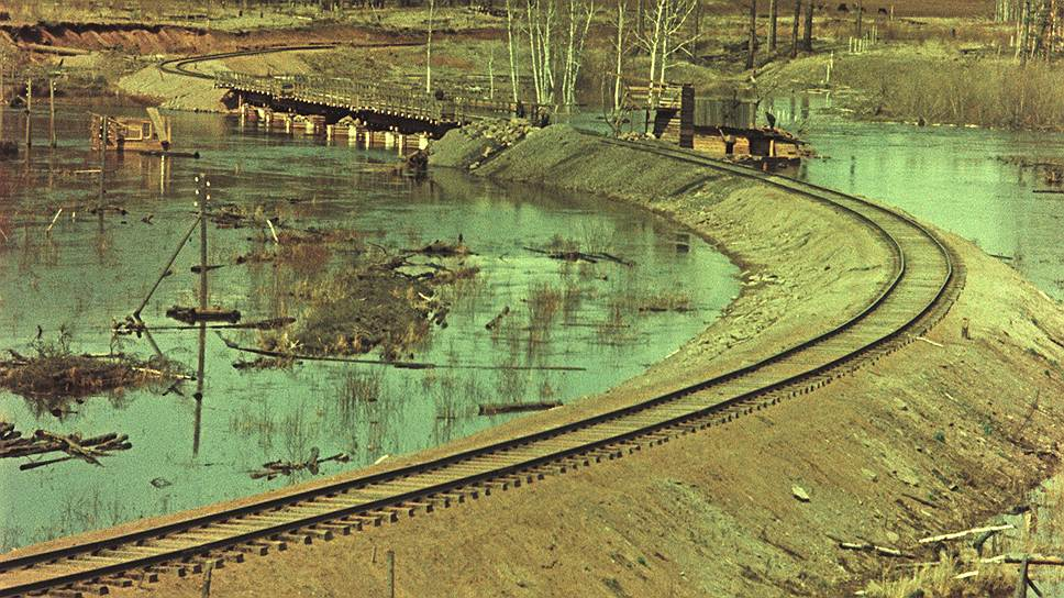 1956 Железнодорожная ветка Тайшет-Лена рядом с селом Каймоново2.jpg