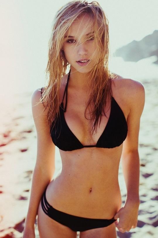 Красивые фотографии молодой модели Алексис Рен 0 14235d ce04d13c orig