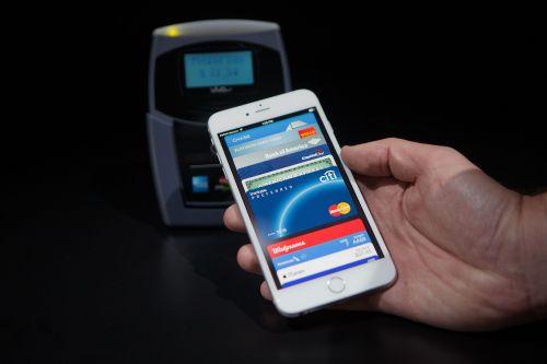 У Apple Pay начались проблемы с платежами