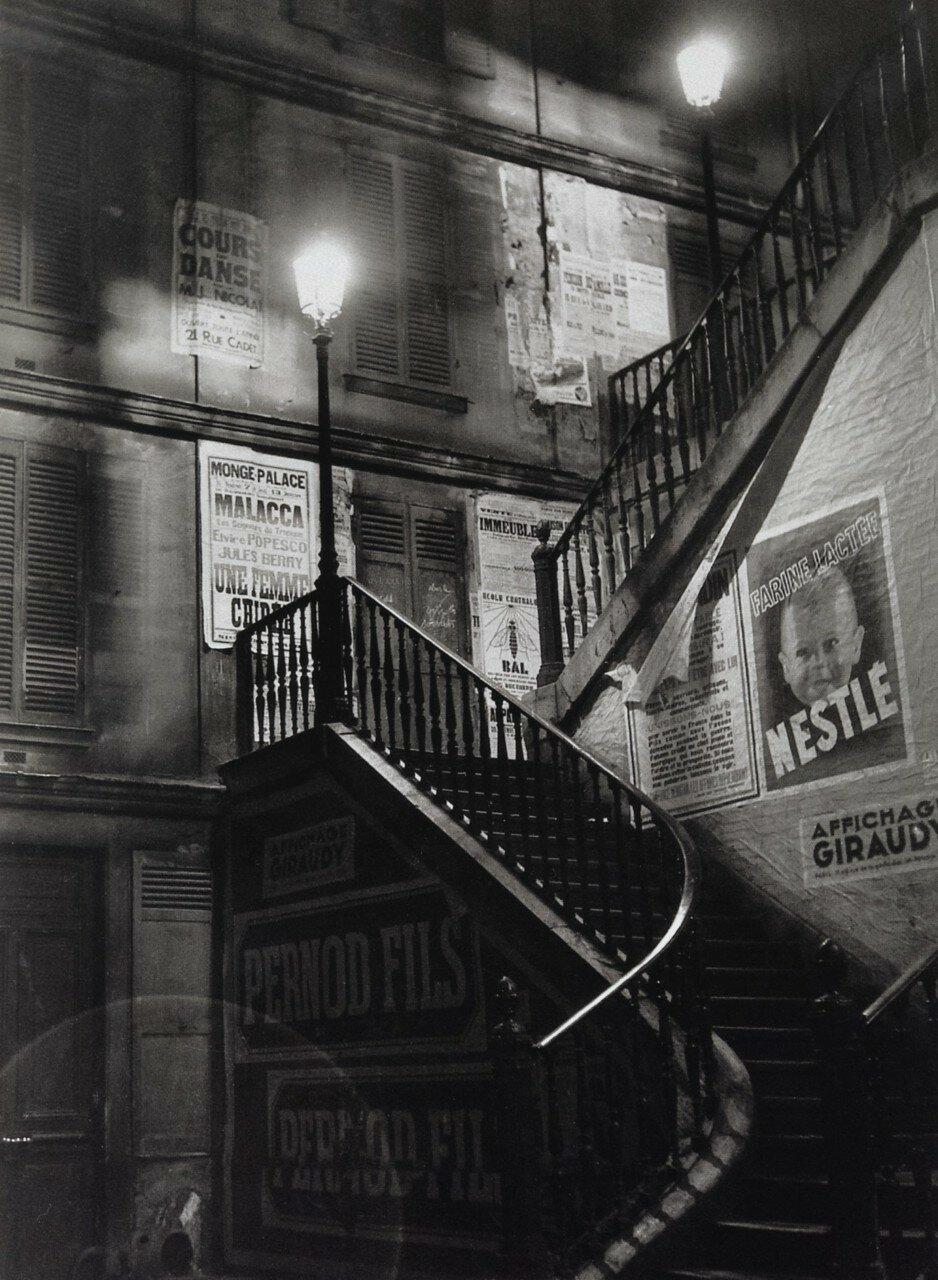 1933. Лестница на рю Ролен
