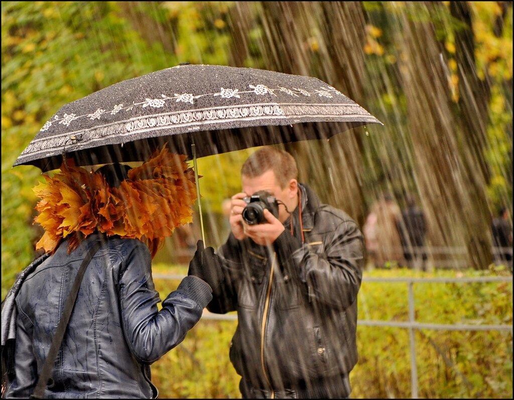 данной все картинки с дождем и человеком воде