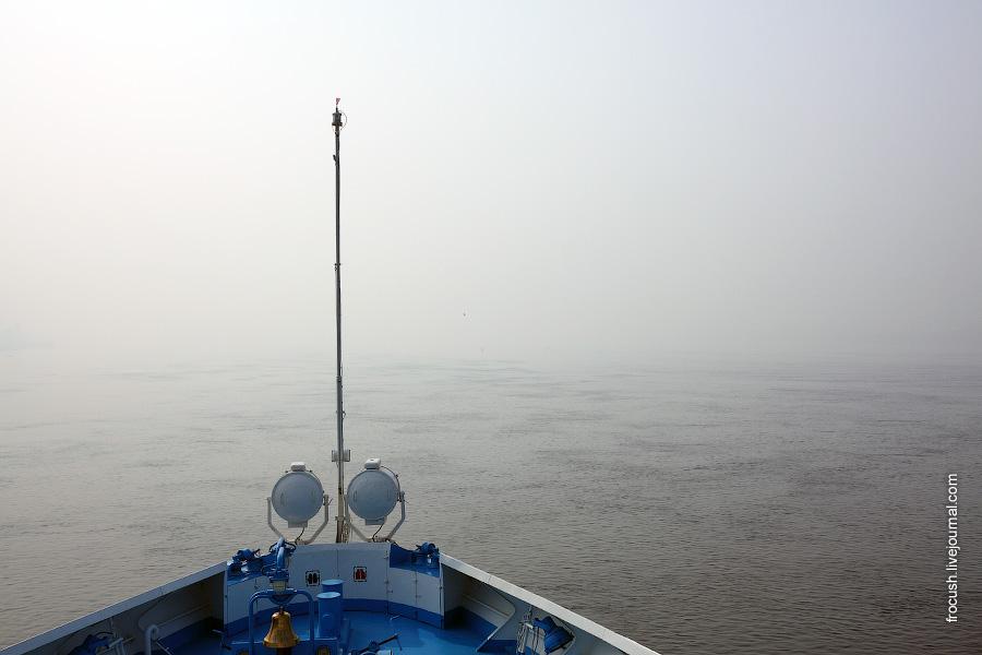 Волга. Стоим сразу после Городца. 15 августа 2010