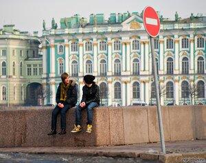 Молодежь (кирпич, набережная, пара, Петербург, Эрмитаж)