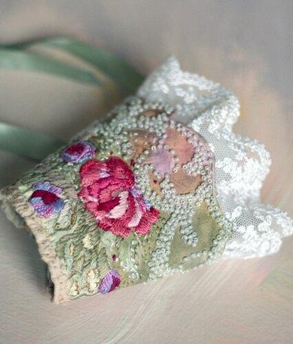 Браслет из ткани