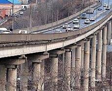 Во Владивостоке частично обрушился Рудневский мост