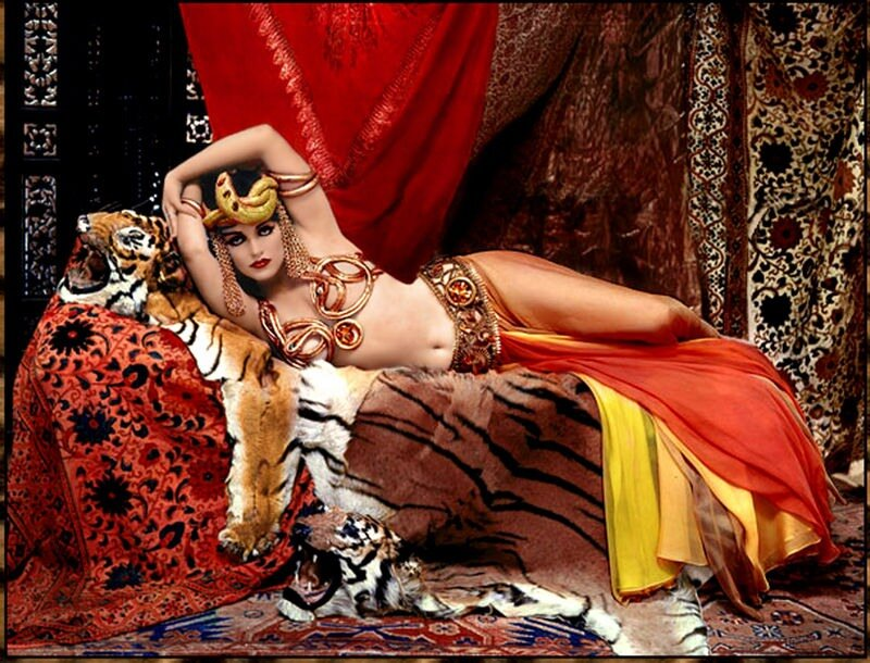 Marilyn Monroe as Theda Bara by Avedon,1958