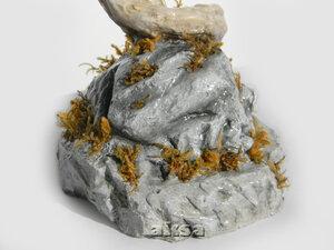 Завитушка на камне