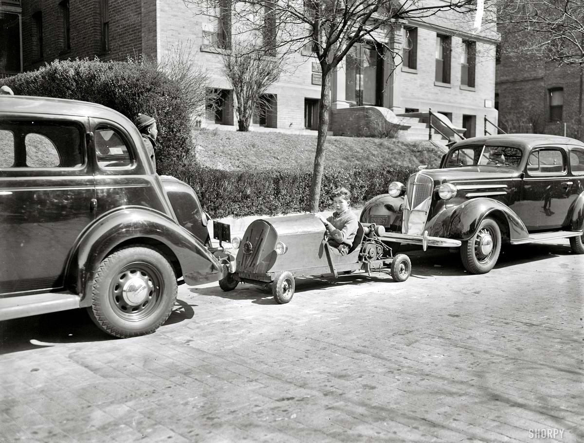 Самодельный автомобильчик 16-летнего Нельма Кларка с двигателем от газонокосилки и мотоциклетной коробкой передач (Вашингтон, 1937 год)