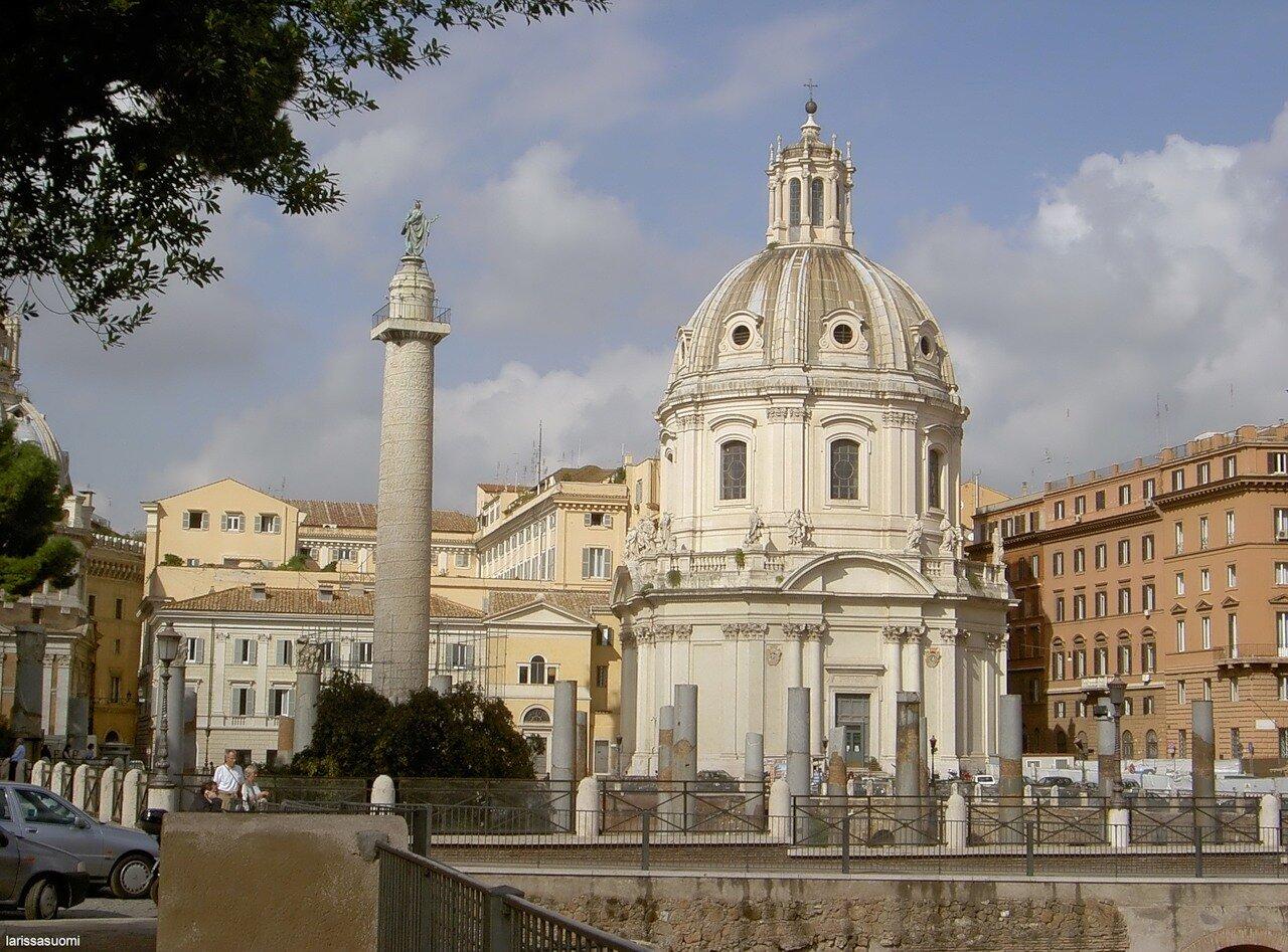 Колонна Траяна и церковь гильдии пекарей.