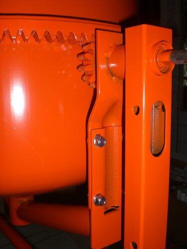 приводная шестерня и фланцевое соединение дуги у MIX-130, ALTRAD Польша