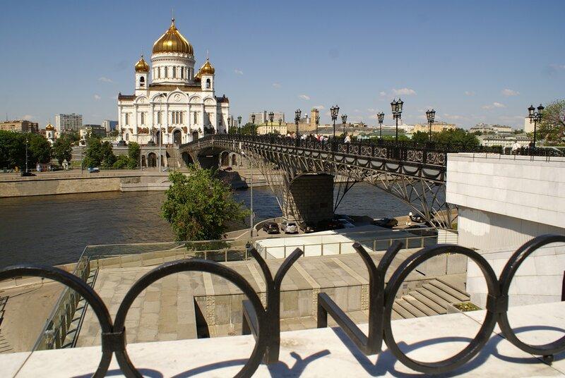 Город златоглавый — Гордая Москва!