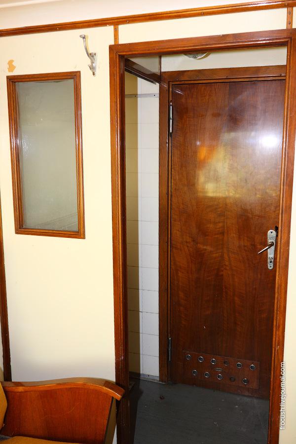 Одноместная каюта №209 на средней палубе дизель-электрохода «Композитор Глазунов»