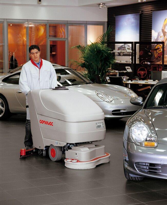 Поломоечная машина COMAC у автодилера Порше Porsche