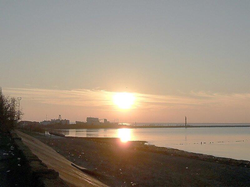 Закат. море
