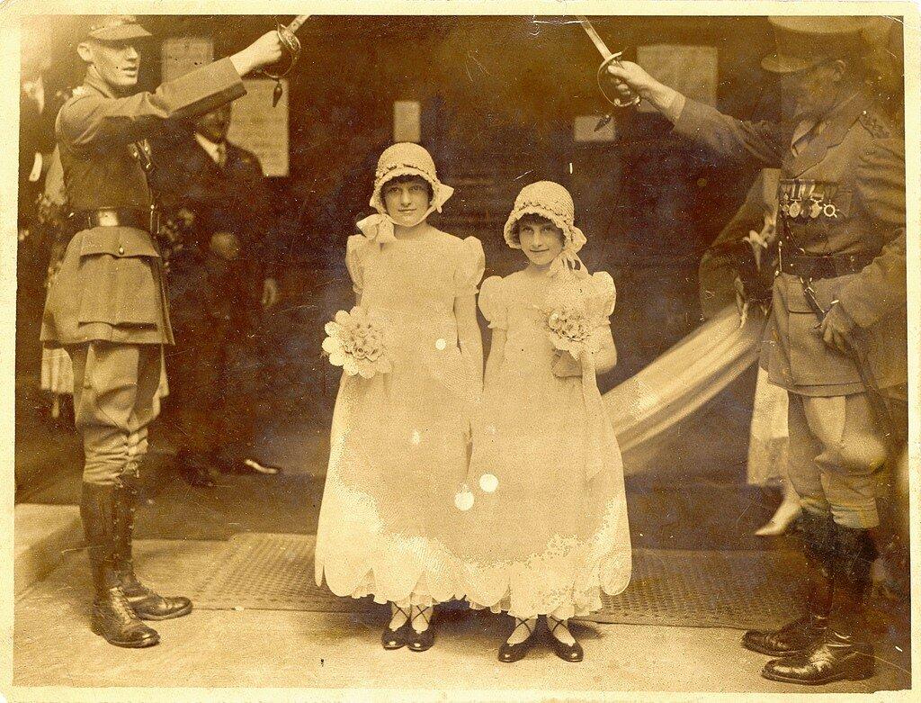 1920, Свадьба в Британской армии