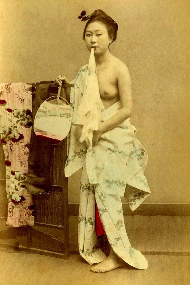 Old Japan.Слишком устали для сплетен - две притихшие гейши