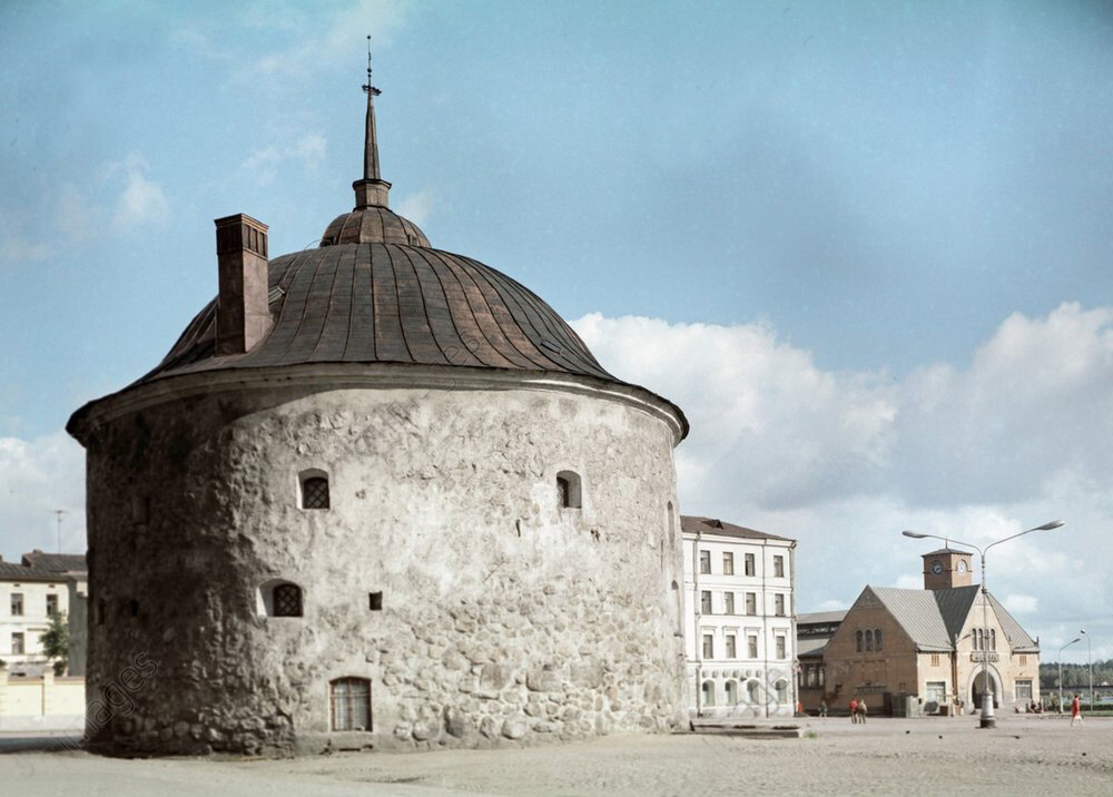 1972 The Round Tower in Market Square in Vyborg.jpg