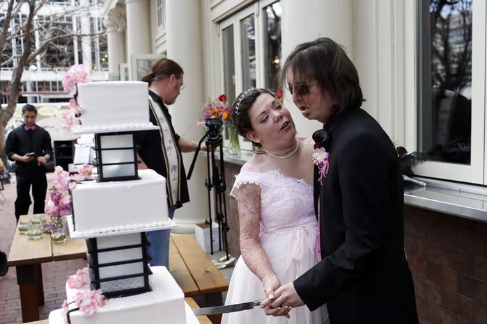 Страшно обожженные жених и невеста