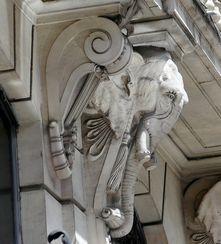 Мадрид. Дворец ярмарок (Palacio de la Equitativa), здание Кредитного банка