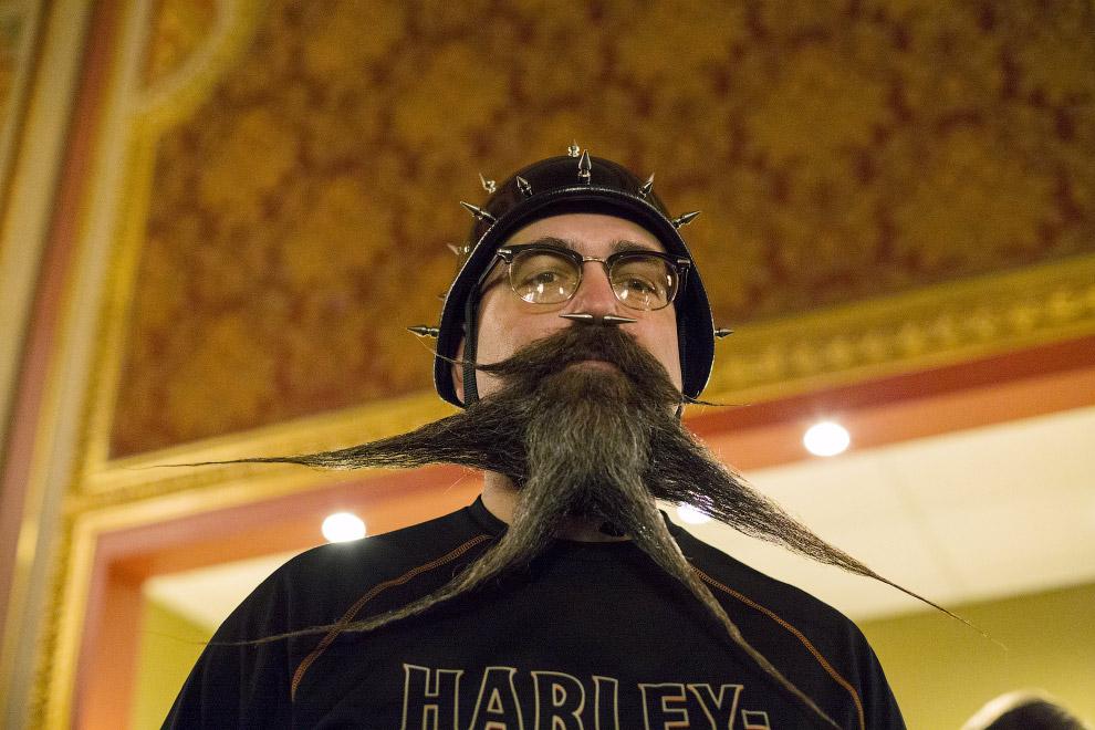 12. Чемпионат бород и усов в Нью-Йорке, 7 ноября 2015. (Фото Elizabeth Shafiroff | Reuters):
