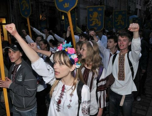"""Хроники триффидов: Нацисткое село """"единокраина"""" никто в покое не оставит"""